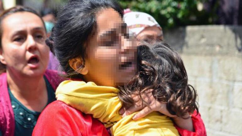 Adanada akılalmaz olay Kızını balkondan sarkıtarak bağırdı: Onun kanı akarsa büyü bozulacak