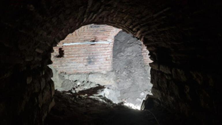 Avlunun altından çıktı… Topkapı Sarayında yeni keşif