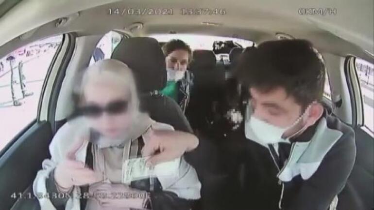 İstanbulda taksici skandalı Bu paralar eski bahanesiyle oyaladı, 4 bin doları çaldı